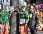 """""""Salviamo i tigli"""", i colognesi manifestano per gli alberi di viale Emilia"""
