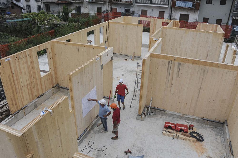 Prende forma il primo condominio fatto di legno nordmilano24 - Casa americana in legno ...