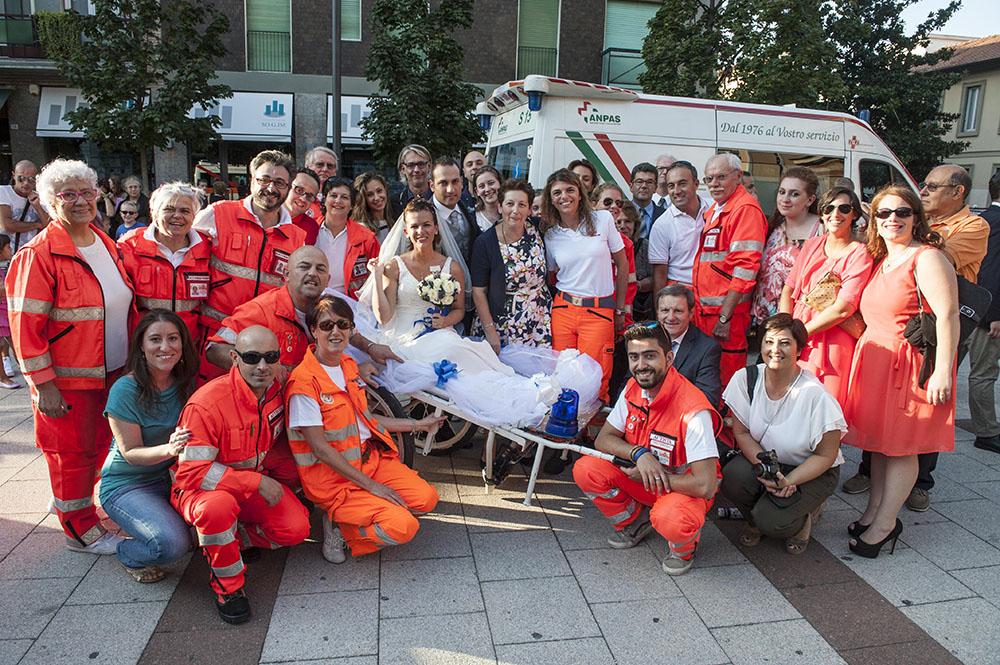 Matrimonio In Ambulanza : Mezzo secolo di matrimonio coniugi landini donano ambulanza alla