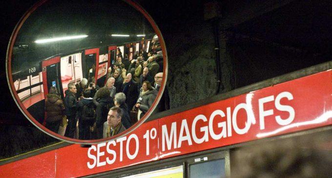 Sesto, la metro frena bruscamente: 12 feriti