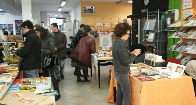 """Cologno, """"4 aperitivi in biblioteca"""": appuntamento culturale e apertivo"""