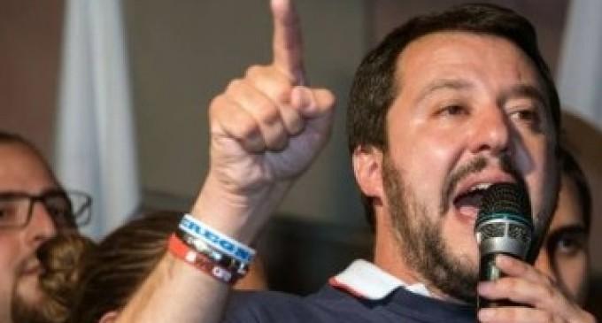 Profughi a Paderno. Salvini ammonisce Alparone sull'accoglienza