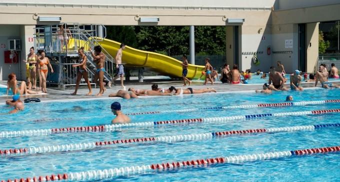 A Cormano gli anziani entrano gratis in piscina per tutto agosto
