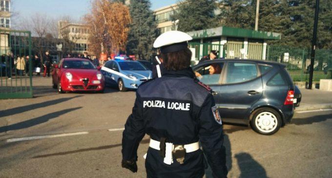 Allarme bomba al Parco Nord: scuola evacuata, artificieri al lavoro