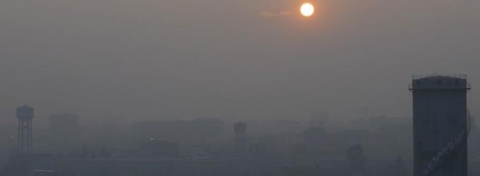 Smog in calo, ma da oggi nuovi divieti. Allarme clima a Milano