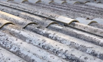 Cusano, amianto abbandonato in un parcheggio: il Comune sporge denuncia