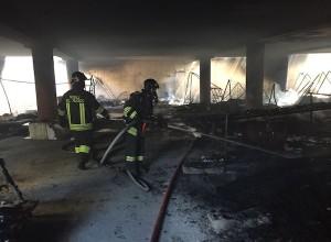 Incendio tra le baracche Rom a Sesto San Giovanni