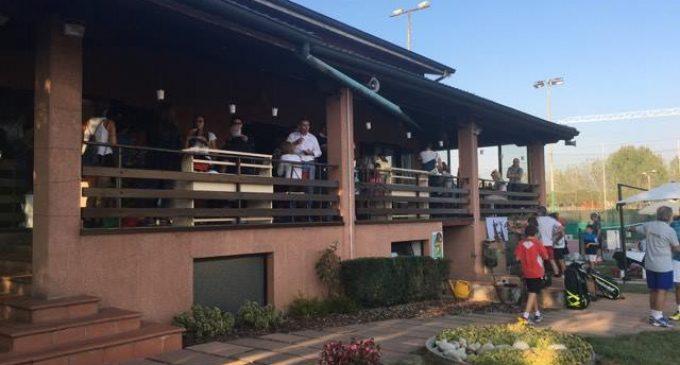 Terra di Mezzo: inaugurato il nuovo locale con piscina a Cinisello