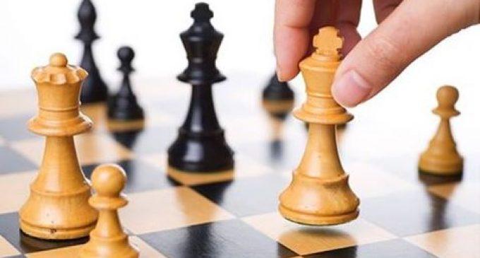 Cinisello, le allieve del Liceo Casiraghi vincono il titolo regionale di scacchi