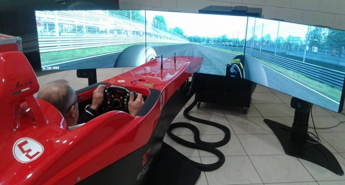Un giorno da piloti da Sesto Autoveicoli. Test drive e simulatori di F1