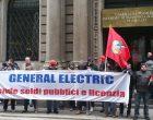 General Electric, lavoratori in manifestazione alla Camera di Commercio di Milano