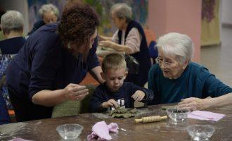"""""""Tu come me, io come te"""": anziani e bambini della Martinelli e del nido Arcobaleno insieme"""