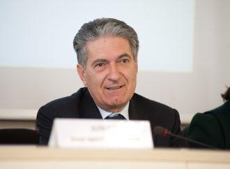 """Carlo Lio, il difensore civico regionale con la """"licenzia"""" media. Il servizio de Le Iene"""