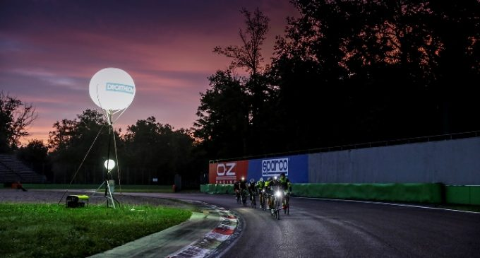 Monza, biciclette in autodromo di notte: torna la 12H Cycling Marathon
