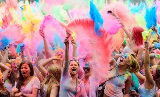 Il sabato sera del Carroponte si colora con l'Holi Summer Festival