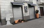 Cinisello, vandali distruggono i vasi della gioielleria Ronchi. Allarme degrado in piazza Gramsci (VIDEO)
