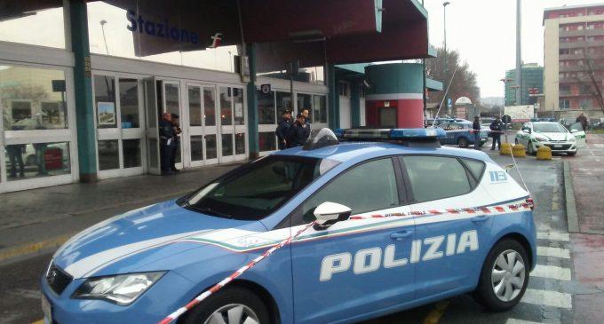 Allarme bomba in metro: piazza Bovio bloccata