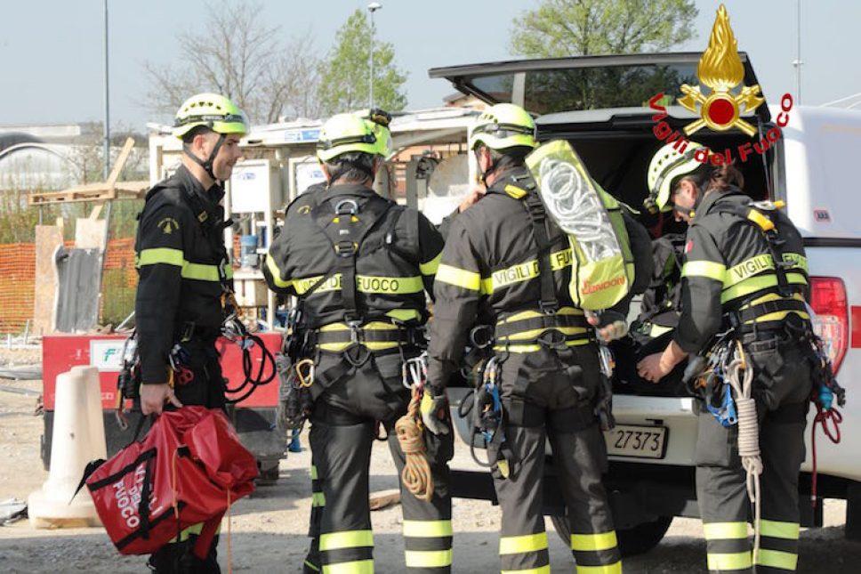 Sicurezza, esercitazione dei vigili del fuoco nei cantieri del metrò tra Cinisello e Sesto
