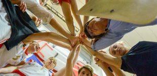 Il Geas Basket torna in A1 con una giornata di anticipo. Le rossonere vittoriose in Sardegna