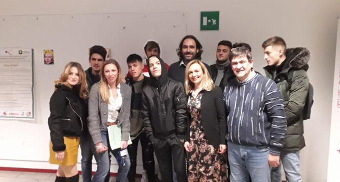 Cinisello, GionnyScandal gira il suo nuovo video alle Mazzini