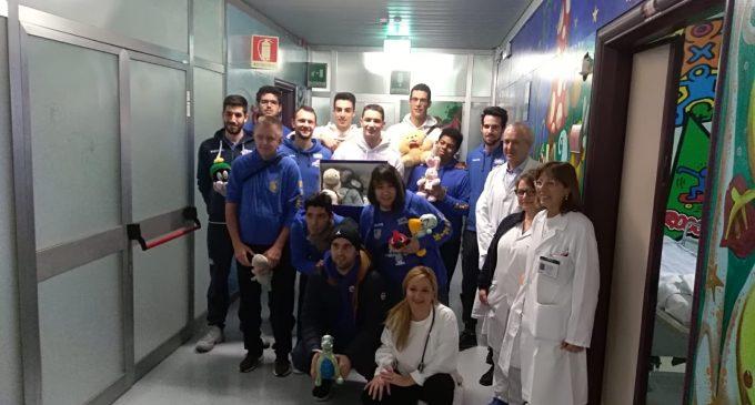 Csc Sporting Milanino: pupazzi donati ai bimbi del Bassini