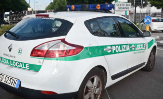 Sesto San Giovanni, molestavano un disabile, due studentesse e un intero stabile: arrestati 4 minori