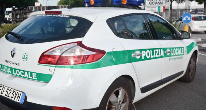 Sesto San Giovanni, un uomo in arresto cardiaco salvato dalla polizia locale