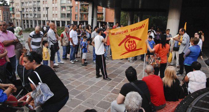 Sesto, Unione Inquilini: flash mob contro la giunta che toglie la residenza agli sfrattati