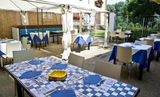 INFORMAZIONE PUBBLIREDAZIONALE I Argò apre l'area estiva: un angolo di relax in Villa Ghirlanda
