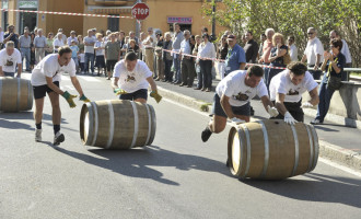Oggi la Festa dell'Uva e la gara di ruzzolamento delle botti