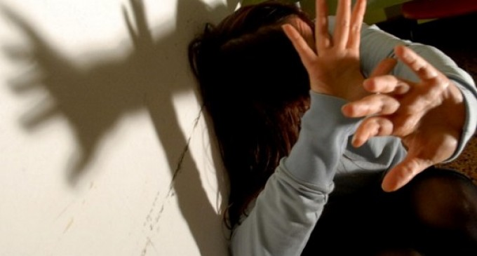 Cormano, aggredisce due ragazze: arrestato per violenza sessuale