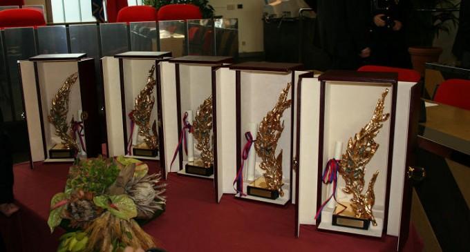 Cinisello: Spiga d'Oro a don Luigi Lesmo e al Gruppo Cinofilo
