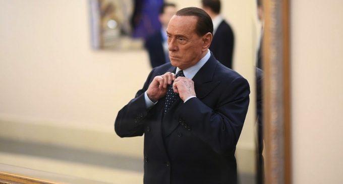 Silvio Berlusconi dona 10 milioni di euro alla Regione Lombardia per costruire l'ospedale in Fiera