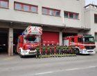 Sesto, i vigili del fuoco schierati in onore dei colleghi morti (video)