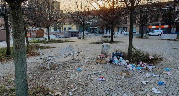 Cinisello, 6 giovanissimi indagati per i danni di capodanno in piazza Gramsci