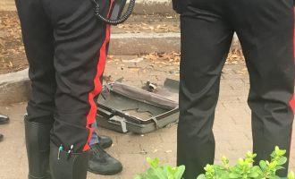 Cinisello Balsamo, gli artificieri fanno brillare una valigia sospetta davanti alla scuola Rodari