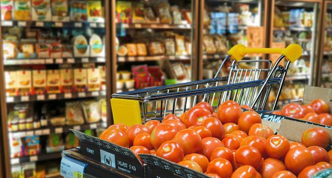 Gli italiani hanno paura delle frodi alimentari: i consigli per risparmiare in sicurezza