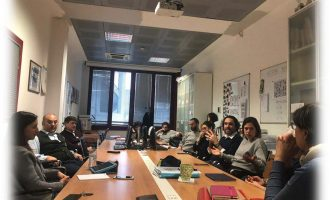 Cinisello Balsamo, prosegue l'attività al Mazzini: 700 studenti studiano in smart working