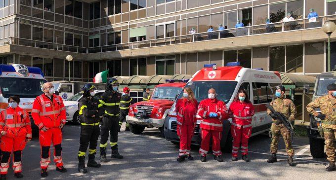Sesto San Giovanni, omaggio agli operatori sanitari dell'ospedale di Sesto e Multimedica (GUARDA IL VIDEO)