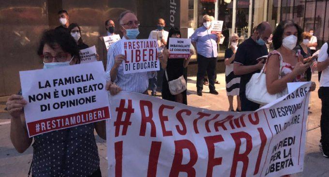Cinisello Balsamo: #restiamo liberi, voci dalla piazza