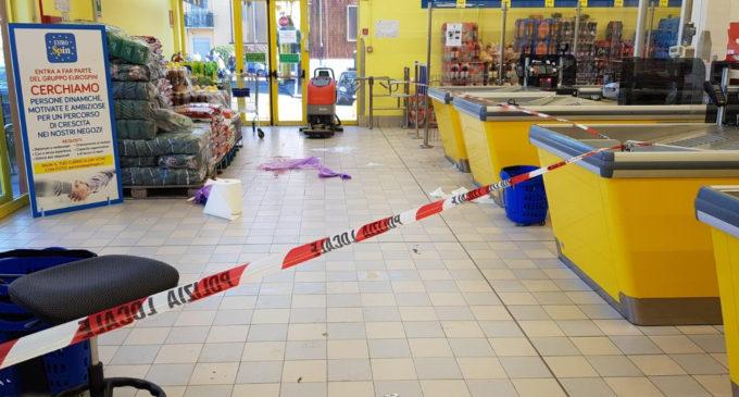 Cormano: rapina al supermercato, ferita una bimba e caccia al bandito