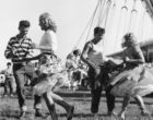 Cinisello Balsamo, ripartire dalla cultura: le fotografie di Mario Cattaneo in piazza Gramsci
