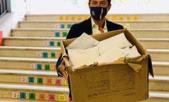 Sesto San Giovanni, le mascherine promesse dal Governo alle scuole non arrivano e allora ci pensa il sindaco