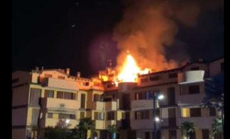 """Incendio a Cologno Monzese in via Calamandrei. Il proprietario di un appartamento: """"Mi ero addormentato"""""""