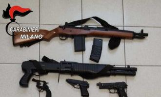 Nord Milano, aggressioni, furti, risse, minacce e maxi sequestro di armi finte. Giovani denunciati nel week end
