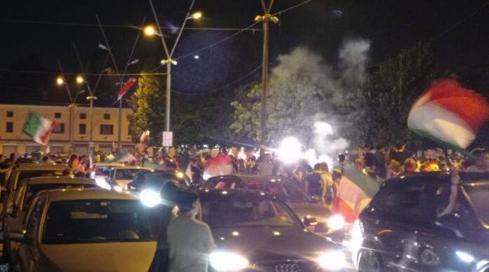 la festa in Piazza Gramsci per la vittoria agli Europei