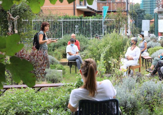 Un'immagine della scorsa edizione del Festival: lezione presso l'orto comune a Niguarda (foto di Vincenzo Lombardo)