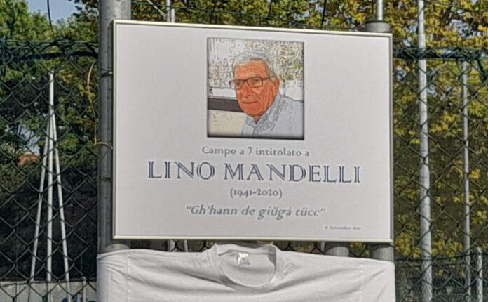 La targa ricorda la figura di Lino Mandelli